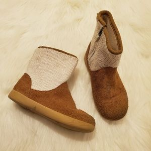 UGG Chestnut Cream Knit Dove Girls Ankle Boots